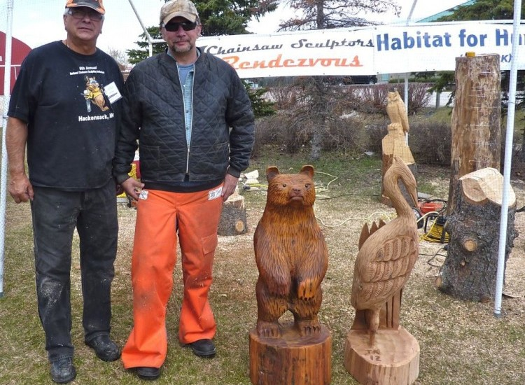 Winnipeg cottage country live show carving demo