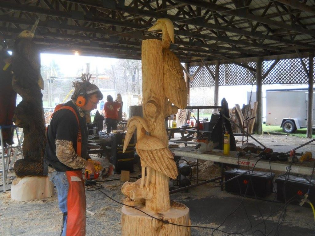 Canadian chainsaw carving competition