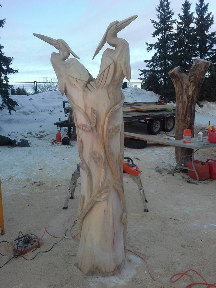 Chainsaw sculpture by jim niedermayer