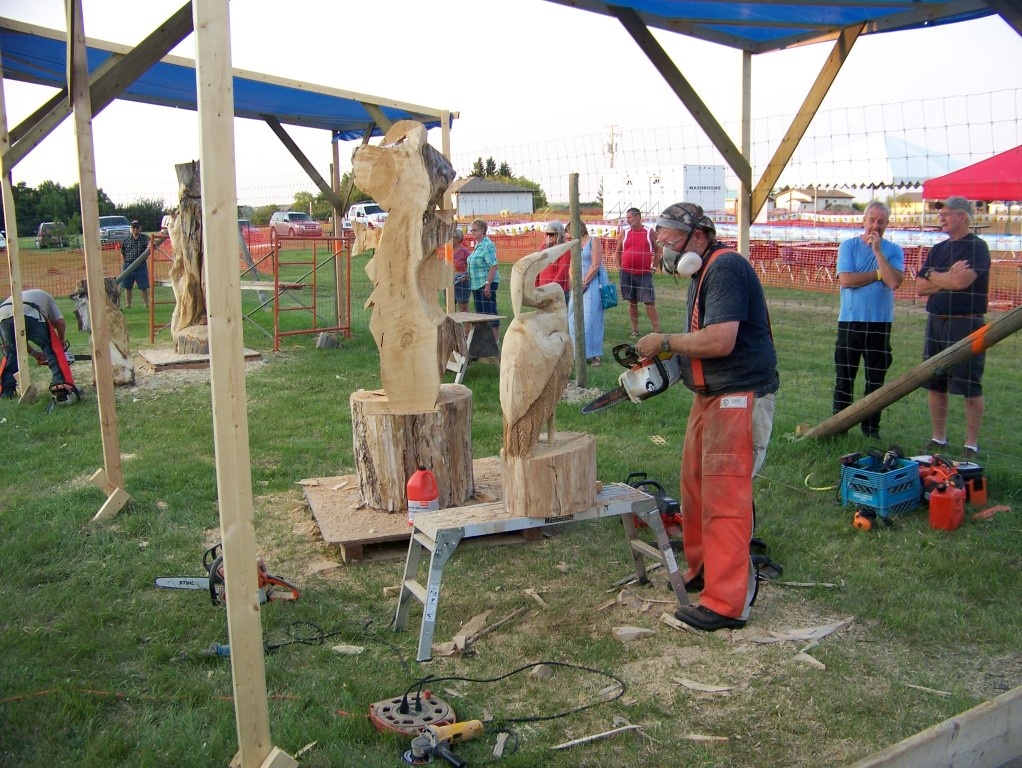 Chainsaw carving events